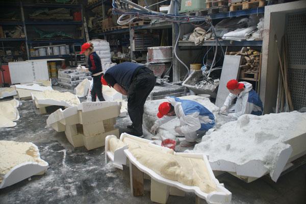 Insgesamt 220 Einzelelemente wurden für das Kunstobjekt auf der Biennale hergestellt.