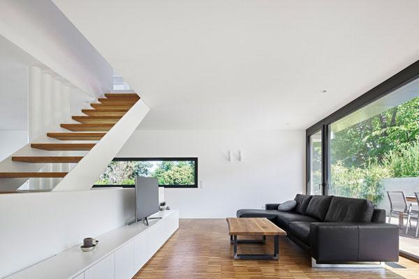 Der offene Wohnbereich im Leichtbeton-Haus.